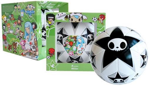 tokidokiの限定版サッカーボール。_a0077842_18461432.jpg