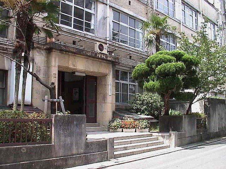 京都まなびの街・生き方探求館(旧京都市立滋野中学校)_c0112559_14464971.jpg