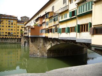 フィレンツェで一番古い橋~ヴェッキオ橋_f0106597_21372651.jpg