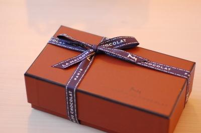 パリとんぼ帰りの方に頼んだ「LA MAISON DU CHOCOLAT」_d0129786_1448254.jpg