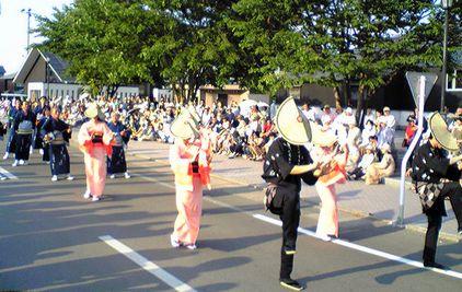 猛暑で熱演、「3大踊り」_f0081443_13314851.jpg