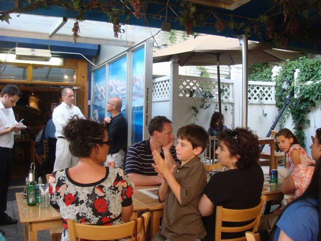 ギリシャ街のギリシャ料理を案内して、_d0100880_9262578.jpg