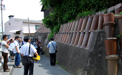 加賀市長と行く常滑視察研修の巻 その1_a0041925_23473958.jpg