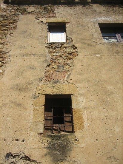 Palsの村で 4  窓いろいろ_b0064411_19404719.jpg