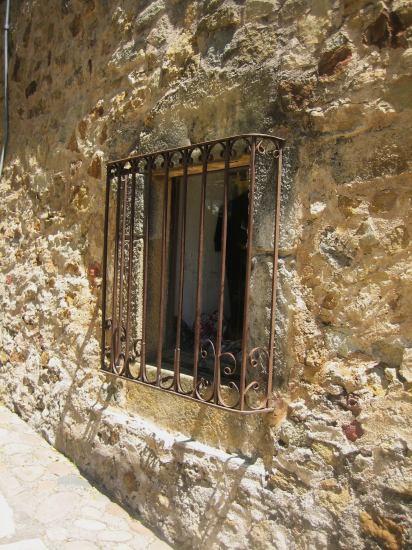 Palsの村で 4  窓いろいろ_b0064411_19515683.jpg