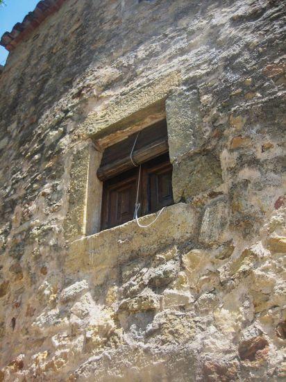 Palsの村で 4  窓いろいろ_b0064411_1952135.jpg