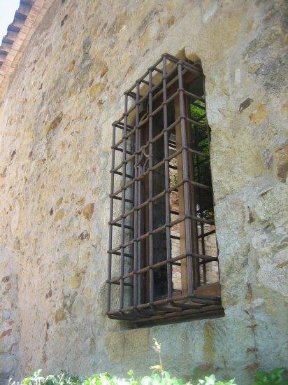 Palsの村で 4  窓いろいろ_b0064411_1952295.jpg