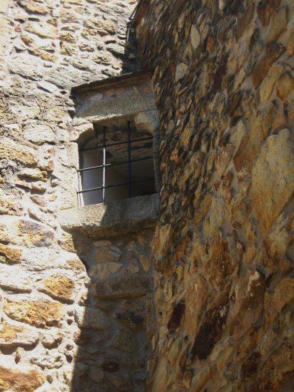 Palsの村で 4  窓いろいろ_b0064411_19533166.jpg