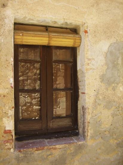 Palsの村で 4  窓いろいろ_b0064411_1957356.jpg