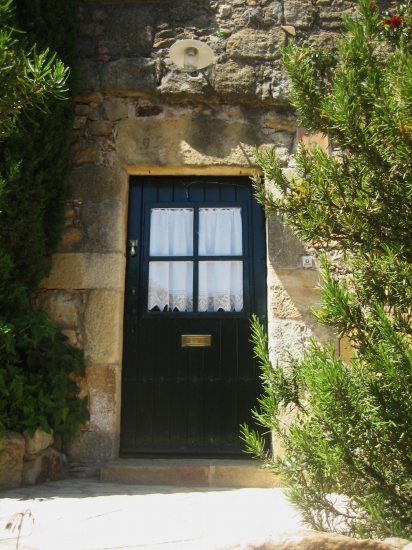 Palsの村で 4  窓いろいろ_b0064411_19575650.jpg