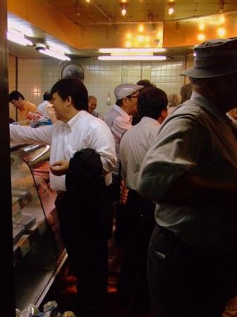 6月25日(水)大井町「肉のまえかわ」「栄養楼」「浅野屋」_b0127948_2238116.jpg
