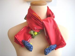スカーフの結び方 ピエロ結び_a0091095_17315911.jpg