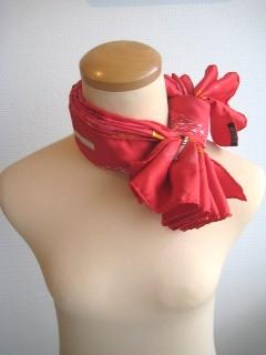スカーフの結び方 ピエロ結び_a0091095_17332068.jpg