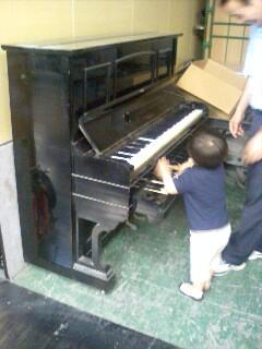 ピアノ倉庫にて_f0124083_20334014.jpg