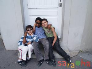階段小路の子供たち_f0050806_51759.jpg