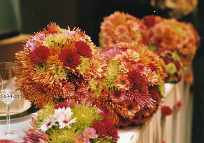 新郎新婦様からのメール  菊の「てまり」 ウラク青山様_a0042928_20543477.jpg