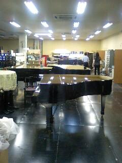 ピアノ倉庫の続き_f0124083_21185934.jpg