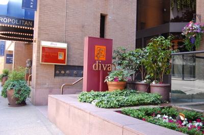 午後のひととき「Diva at the Met」、そして夜は地獄。_d0129786_13404013.jpg