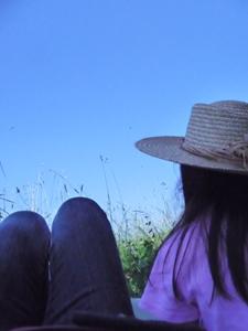 草原で昼寝_f0106597_0493349.jpg