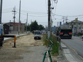 熊野町平谷交差点拡張工事、なかなか進まず_b0095061_11472819.jpg