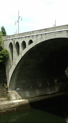 あ、聖橋だ…イタリア系ブラジル人が「CHAー(茶)!CHAー!」って。(笑)_b0032617_12524940.jpg