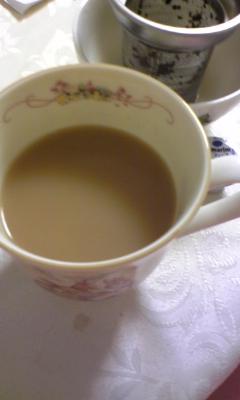 久しぶりにミルクティー飲んだ気_e0114246_14564554.jpg