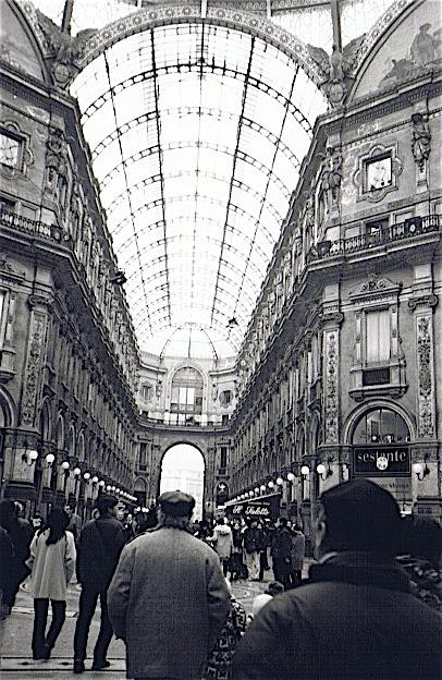 昔撮った写真 イタリア no1 関空-ミラノ-ヴェローナ-べネチア_f0165030_8283176.jpg