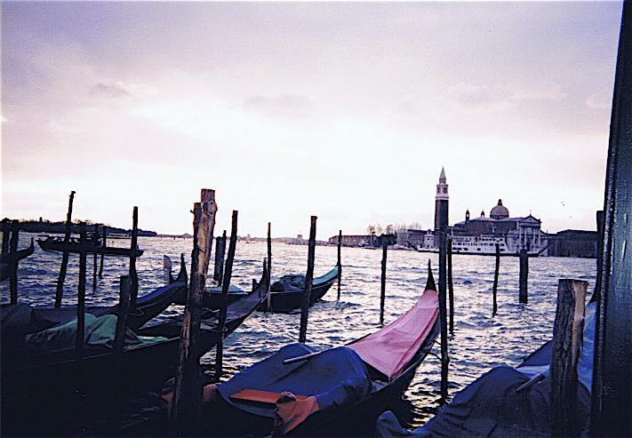 昔撮った写真 イタリア no1 関空-ミラノ-ヴェローナ-べネチア_f0165030_8352584.jpg