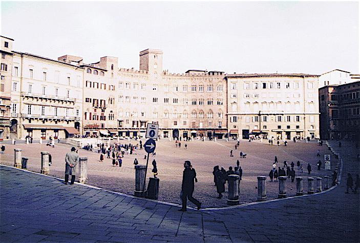 昔撮った写真 イタリア no2 フィレンツェ-ピサ-サンジミアーノ_f0165030_95776.jpg