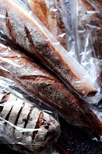 パンとなにがしか。_b0048834_22112546.jpg