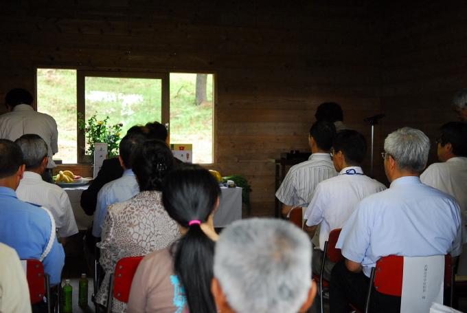 武雄市民病院移譲先選考委員会から答申書が提出されました_d0047811_2362488.jpg