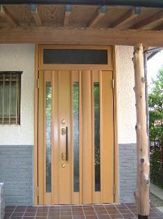 玄関ドア_b0153776_1947259.jpg