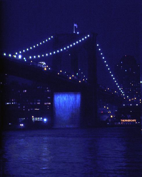 ニューヨークの港に巨大な滝のアート出現 New York City Waterfalls_b0007805_10171964.jpg
