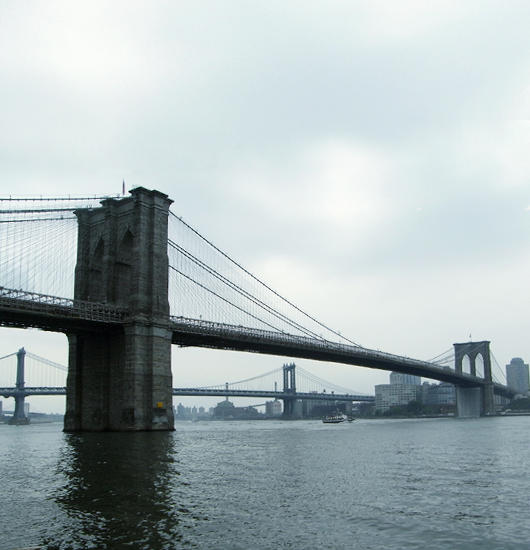 ニューヨークの港に巨大な滝のアート出現 New York City Waterfalls_b0007805_913595.jpg