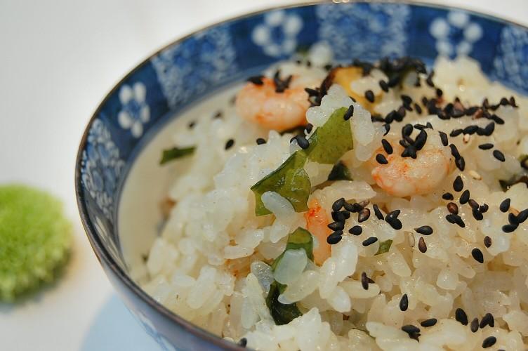 超お手軽レシピ☆魚介類とわかめの炊き込みご飯_d0104926_5102329.jpg