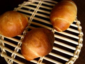 卵多め生地で、ミニ食パン・テーブルロール・メロンパン_c0110869_21425660.jpg