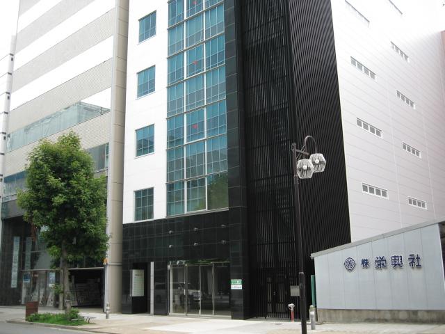 名古屋新築オフィスビル空室率50%_f0016320_11172625.jpg