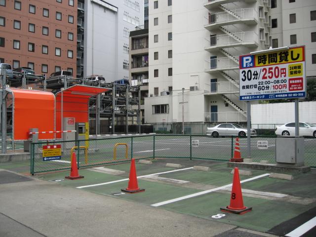 名古屋新築オフィスビル空室率50%_f0016320_1118053.jpg