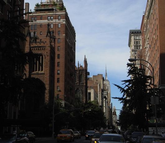 5番街沿いのお散歩コースも楽しいですよ_b0007805_2461210.jpg