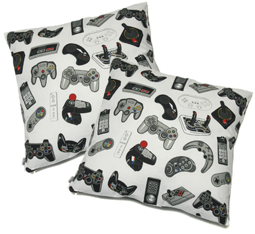 コントローラ通なら、この枕。_c0004568_19511272.jpg