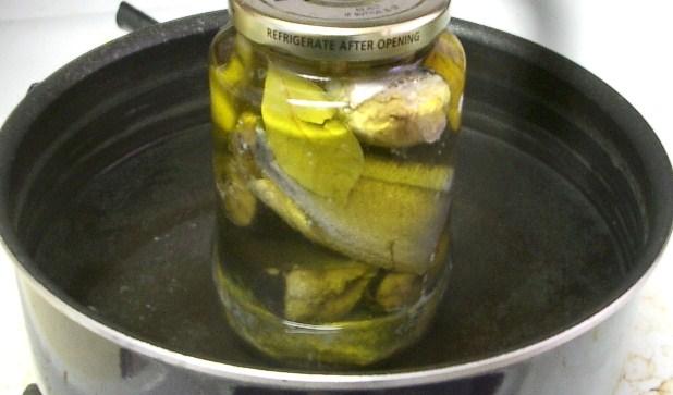 秋刀魚のオイル漬け。_c0119140_8543085.jpg