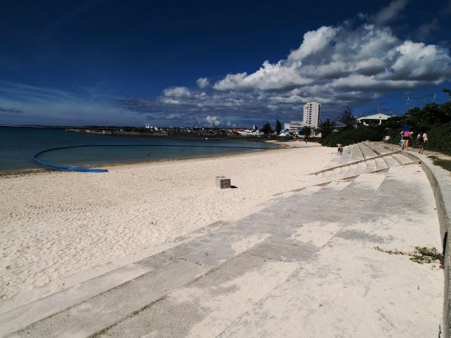 沖縄の風景 パイナガマ・ビーチ_f0024992_847178.jpg