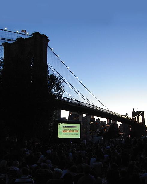 ブルックリン・ブリッジ・パークの野外映画イベント Movies With A View 2008_b0007805_140710.jpg