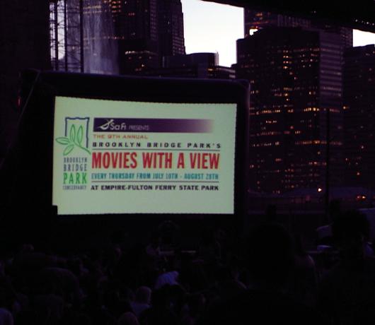 ブルックリン・ブリッジ・パークの野外映画イベント Movies With A View 2008_b0007805_14251479.jpg