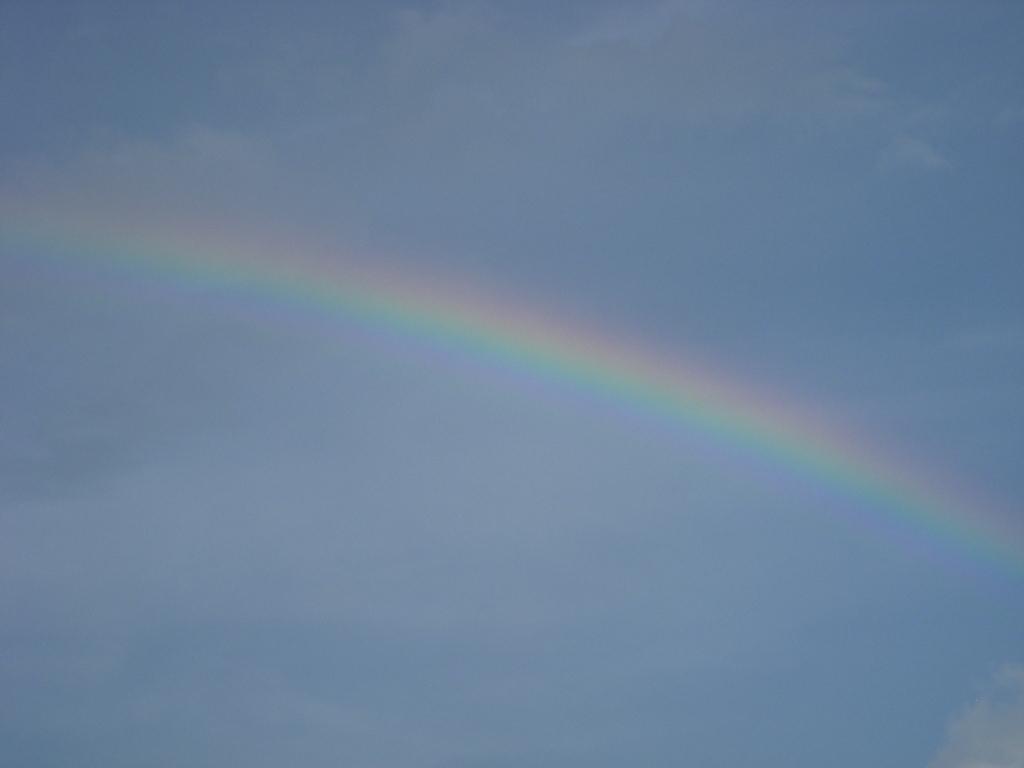 虹の彼方に_c0156749_18375328.jpg
