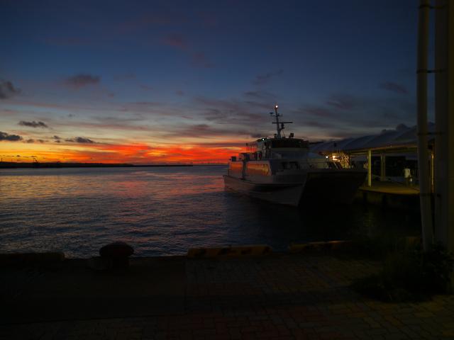 沖縄の風景 波止場にて_f0024992_11452036.jpg