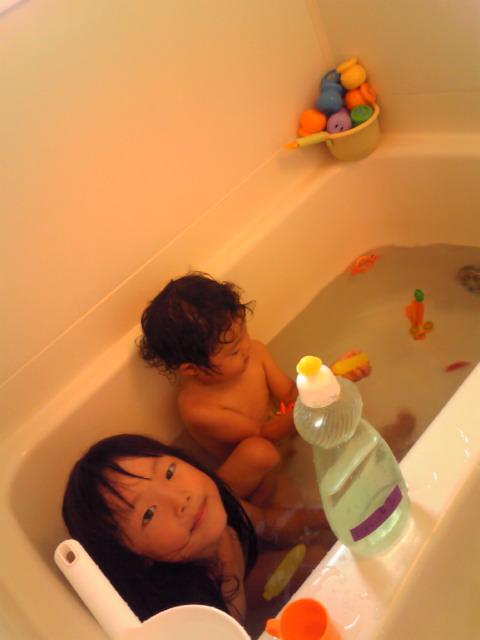 な 子ども たち ☆ お 風呂 ... : 水遊び 幼児 : 幼児