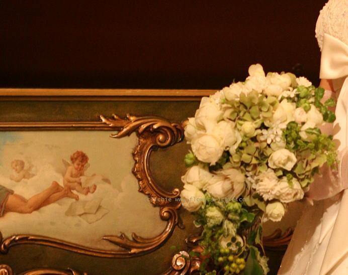 ブーケ セミキャスケード ラピュタとピアノと天使 シェ松尾青山サロン様_a0042928_2215712.jpg