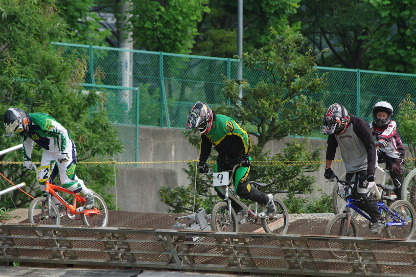 2008JOSF7月緑山定期戦VOL2BMXエリートクラス決勝_b0065730_23275939.jpg