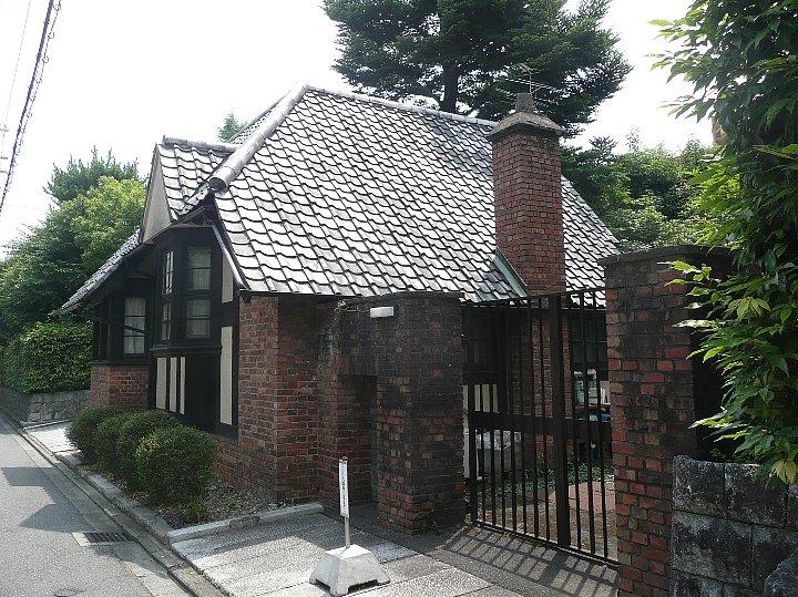 聖ヨゼフ修道院 門の家_c0112559_1651984.jpg